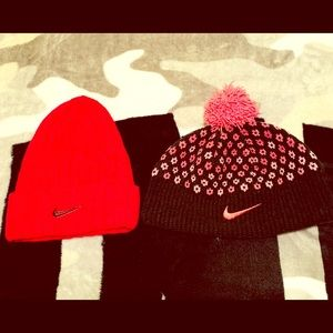 ✨NEW ITEM✨ ☑️ Women's Nike Beanie Lot ☑️
